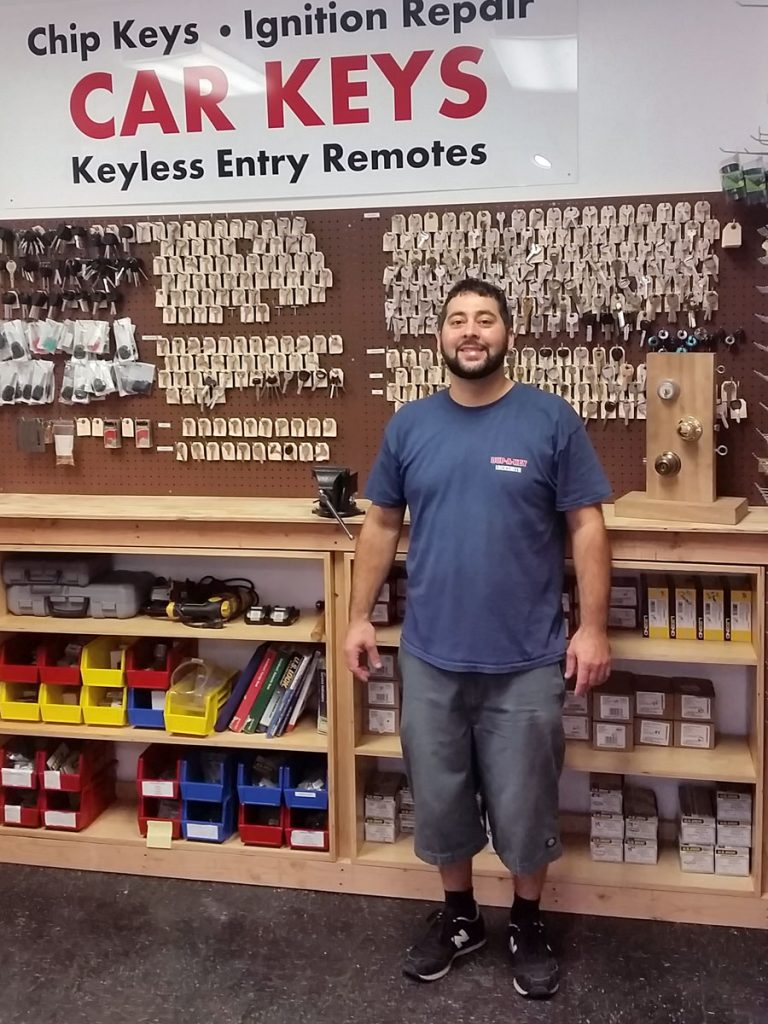 point-loma-locksmith-car-keys-wes-smile-web