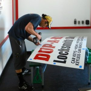 vince-drilling-large-locksmith-sign-square