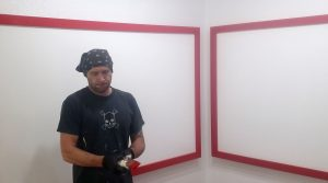 vince-red-trim-paint-brush-2